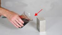 当血液遇到磁性最强的磁铁,会发生什么?实验结果刷新我认知!