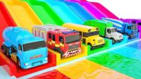 消防车搅拌车垃圾车过河身体染色汽车动画视频
