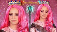 小女孩仿妆迪士尼后裔角色,将自己美妆打扮成了皇后!