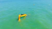 在海里工作的挖掘机你见过吗?跟人手臂一样灵活,佩服设计师智慧
