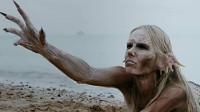 美人鱼杀人无数,却被人类引诱上岸,离水后立刻变成石像