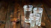 啤酒白酒能混着喝吗?内科医生:你的肝、肾、血管都会加倍受伤害