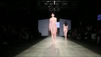 时装秀:欧美名模齐聚北京,性感身材,加上设计感十足的内衣,太漂亮了吧!