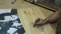 被追星耽误的木工艺术家,用树脂和木雕还原偶像的肖像画