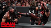 【RAW 08/19】怪兽抱摔+断头脚 人间怪兽和赛斯罗林斯加冕双打冠军