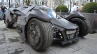 有钱人的快乐!几百万的兰博基尼,老外又花几千万改成蝙蝠侠战车
