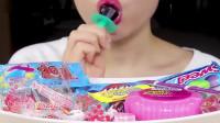 """吃播小姐姐吃""""奶嘴糖"""",这吃糖的样子也太可爱了"""