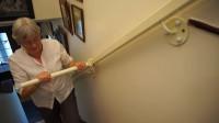 """老外发明""""爬楼梯""""神器,有了它,80岁老人也能轻松上6楼!"""