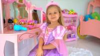 萌娃小可爱想当公主,小家伙把自己打扮的真漂亮!—萌娃:现在我是真正的公主啦!