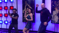 WWE凯萨罗和伍兹在LPL上海演播厅大跳K/DA女团出道曲《POP/STARS》