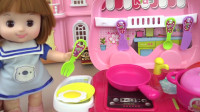 咪露娃娃的迷你厨房过家家玩具