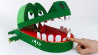 手工达人用纸板制作小鳄鱼,按错牙齿就要被咬,看完你学会了吗?