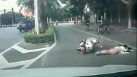 灵异事件:电动车美女正骑车去上班,没注意身后,不耻画面被记录!