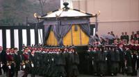 日本天皇裕仁去世,日方希望中国参加葬礼,我们只有4个字送上