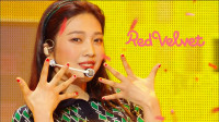 女团RedVelvet回归音乐中心首秀,清爽的夏日贝贝