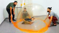 世界上最大的史莱姆泡泡,可以把人装在里面