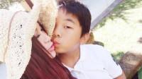 温碧霞晒与10岁养子合照 两人嘴对嘴亲密十分有爱
