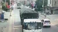 """""""自杀式""""超车,要不是监控,你不知道大货车的冤枉!"""