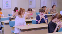 甜蜜暴击:格斗校花第一次化妆,转身的那一瞬间,全校女生都呆愣了!