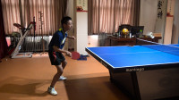 怎样使乒乓球正手弧圈球摩擦感觉更强烈?身体和抓板两点要处理好