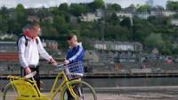 两个无脑少年为了暴富,长途跋涉到海边寻找警方遗落的毒品,喜剧片少年犯