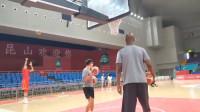 周琦将替代易建联成为中国男篮领袖?一场世界杯比赛告诉你现实