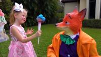 萌娃小可爱的棉花糖被调皮的黄鼠狼给抢走了,萌娃:抢别人的东西可是要受到惩罚的哟!