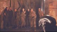 偏远星球上的大型男子监狱内,突然潜入外星怪物《异形3》超经典科幻恐怖片