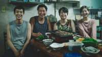 底层民众的无奈,好尸八分钟带你看完【寄生虫】韩国高分剧情片