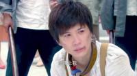 青萍偶遇黎绍峰被当众羞辱,为救黎绍峰牺牲自己,当了周鸣昌的妾