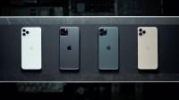 iPhone 预售增长480%绿色版被抢光,全球首个机器人HR上岗
