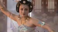 杨玉环一曲霓裳羽衣舞,舞姿绰约,如同仙女下凡间,唐明皇陶醉其中!