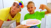 妈妈给萌娃小可爱做了一份酸奶玉米,小家伙看上去很不喜欢呢!萌娃:这是什么黑暗料理呀?