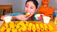 韩国大胃王卡妹,试吃老式脆皮炸鸡,蘸着奶油吃真不错