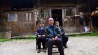 """中国最""""土豪""""的贫困户,住的老屋是金丝楠木建筑,价值8亿人民币"""