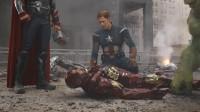 钢铁侠装死,绿巨人一声大吼,将钢铁侠吓醒了!
