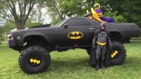 大哥痴迷蝙蝠侠,花3年把老皮卡改成蝙蝠战车,还经常带妆出镜!
