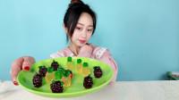 """妹子试吃""""3D软糖"""",全都是水果造型,摆盘太漂亮了!"""
