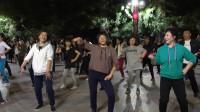 C0035原创:榆林市中心广场舞就是不一般!张海喜摄