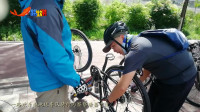 骑行丙察察开始喽 先来个追尾表示对唐蕃古道的尊敬 一路欢乐318逛地球车队新一季骑行户外开始了