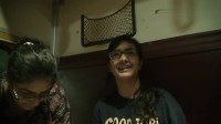 冒险雷探长:印度火车上当地的女孩请我吃东西,作为回报我教她们说中文