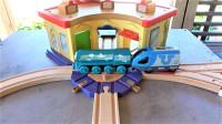 BRIO木质轨道玩具和托马斯小火车组合大型隧道交通系统