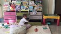 好奇宝宝到处摸摸看看 翻盒子玩具(二宝七个月了)