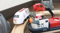 BRIO日本新干线列车和托马斯小火车木质轨道玩具开箱视频