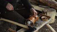 原始技能 荒野生存 桦树皮制作斧鞘
