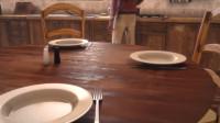 世界上只剩下最后一个人,可他每天都准备三份食物,一部科幻动画