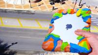 橡皮泥做成的保护壳,能保护高空坠落的iPad吗?老外一试便知!