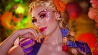 美女仿妆迪士尼童话:将自己化妆打扮成了长发公主
