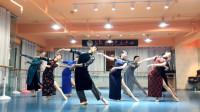 舞剧《永不消逝的电波》中最爱的一段旗袍舞,6个冷艳的旗袍女生