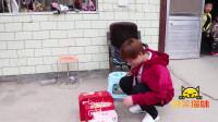 爆笑猫妹:河南方言:憨妹走亲戚拿空箱子,没想最后却坑了自己!太逗了
